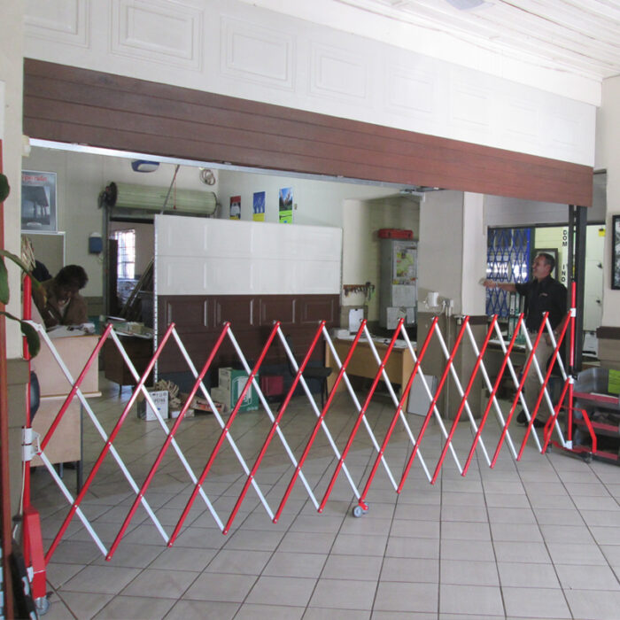 nding-barrier-parking-entrance-safety-warehouse-barrier-3